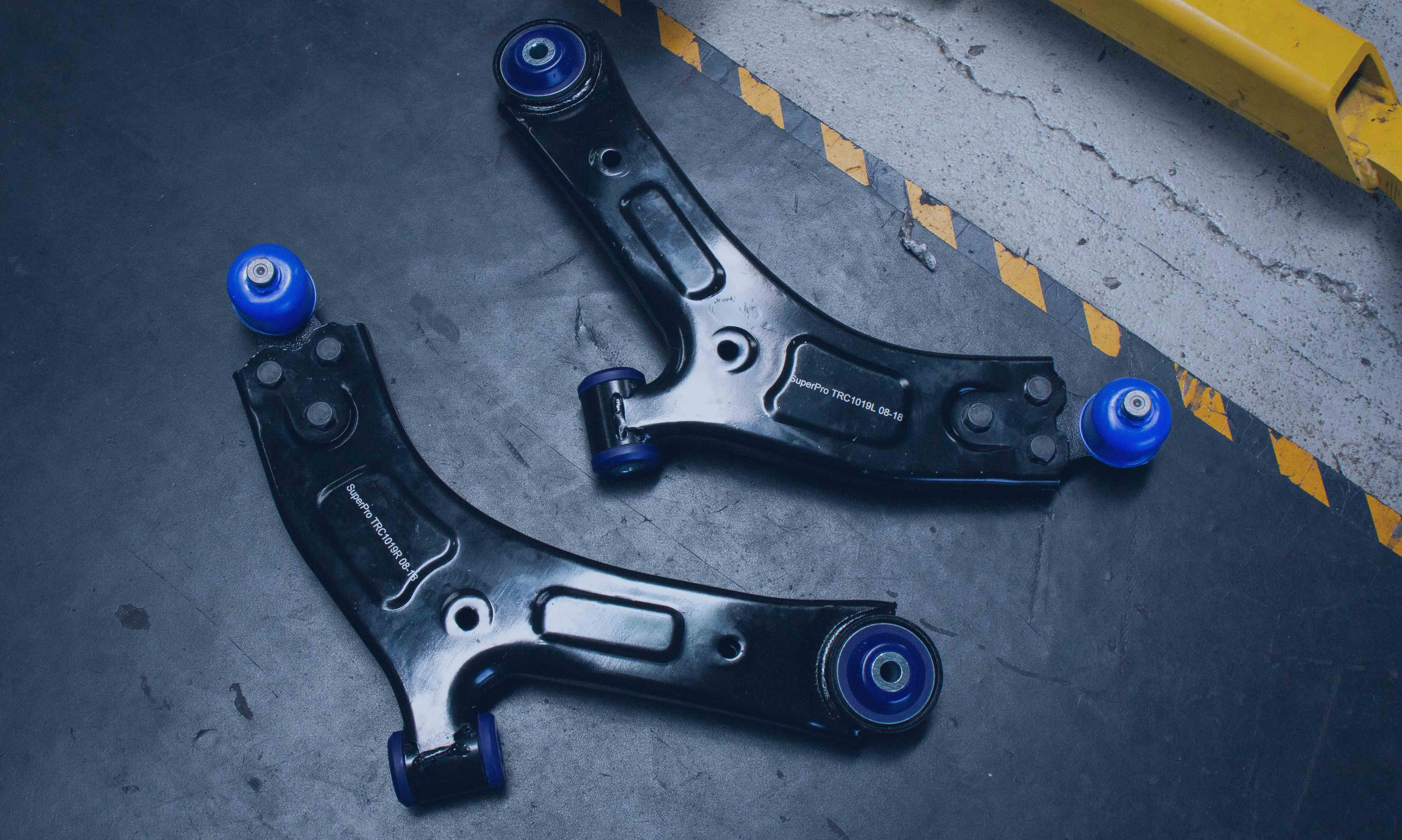 Hyundai iLoad & iMax Complete Front Lower Control Arm Kit